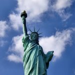 なぜ米政府の予算案が通らないと「自由の女神」が閉鎖されるのか