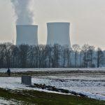 原子力は2日寿命を縮める、貧困は3500日寿命を縮める