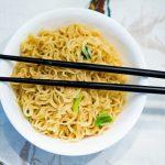 SNSやブログに掲載した食事の写真から「利き手」がバレないようにする方法