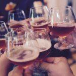飲み会が大好きな人は早期リタイアも定年退職もしてはいけない